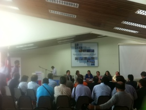 Autoridades de Obras Públicas y Arquitectura lideraron la reunión.